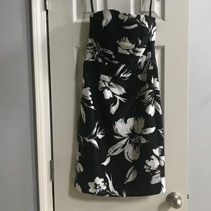 White House Black Market Strapless Dress in 00 NWT